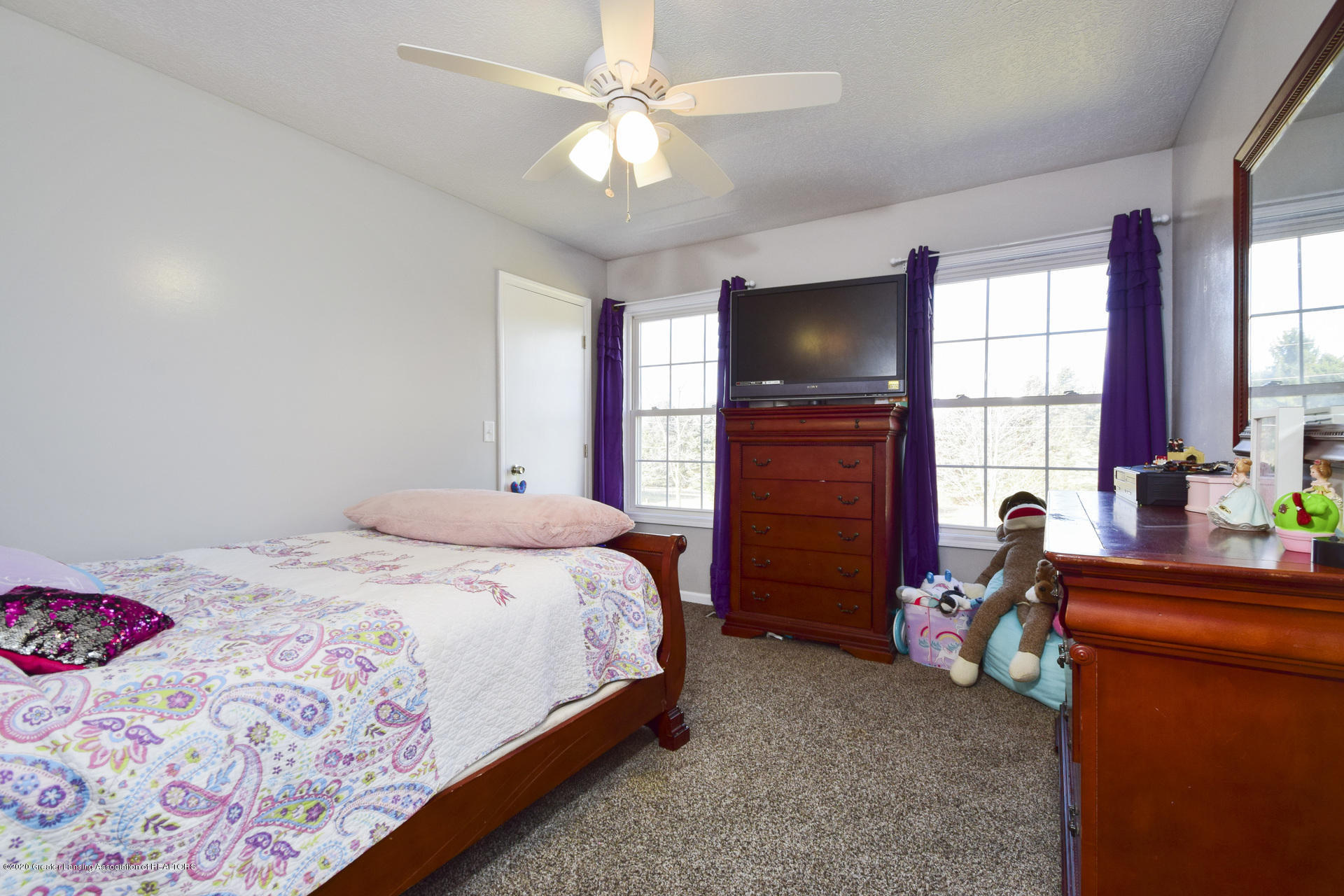 1815 Meghann Ln - 018-photo-bedroom-8140487 - 19