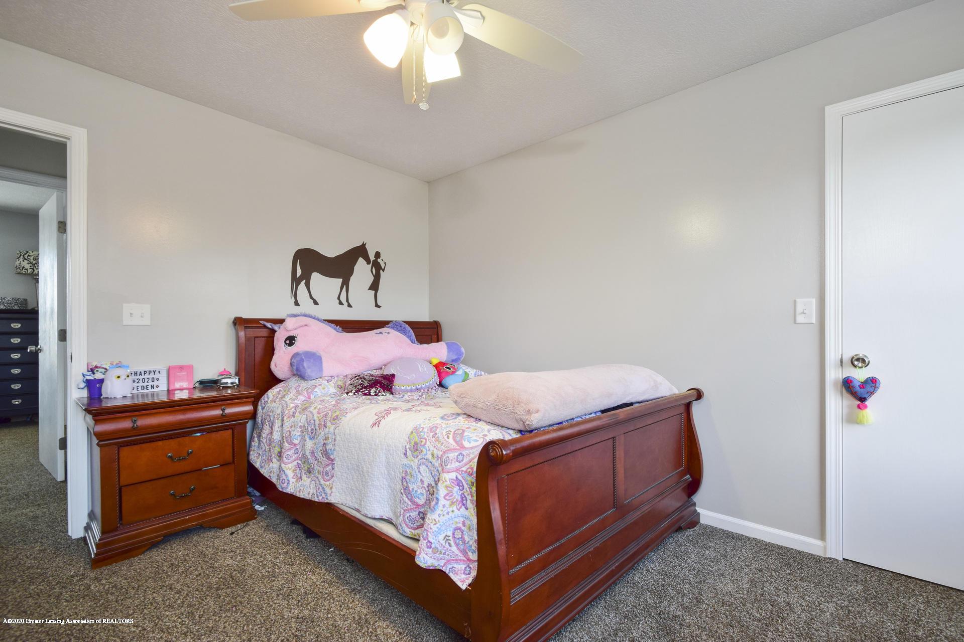 1815 Meghann Ln - 019-photo-bedroom-8140488 - 20