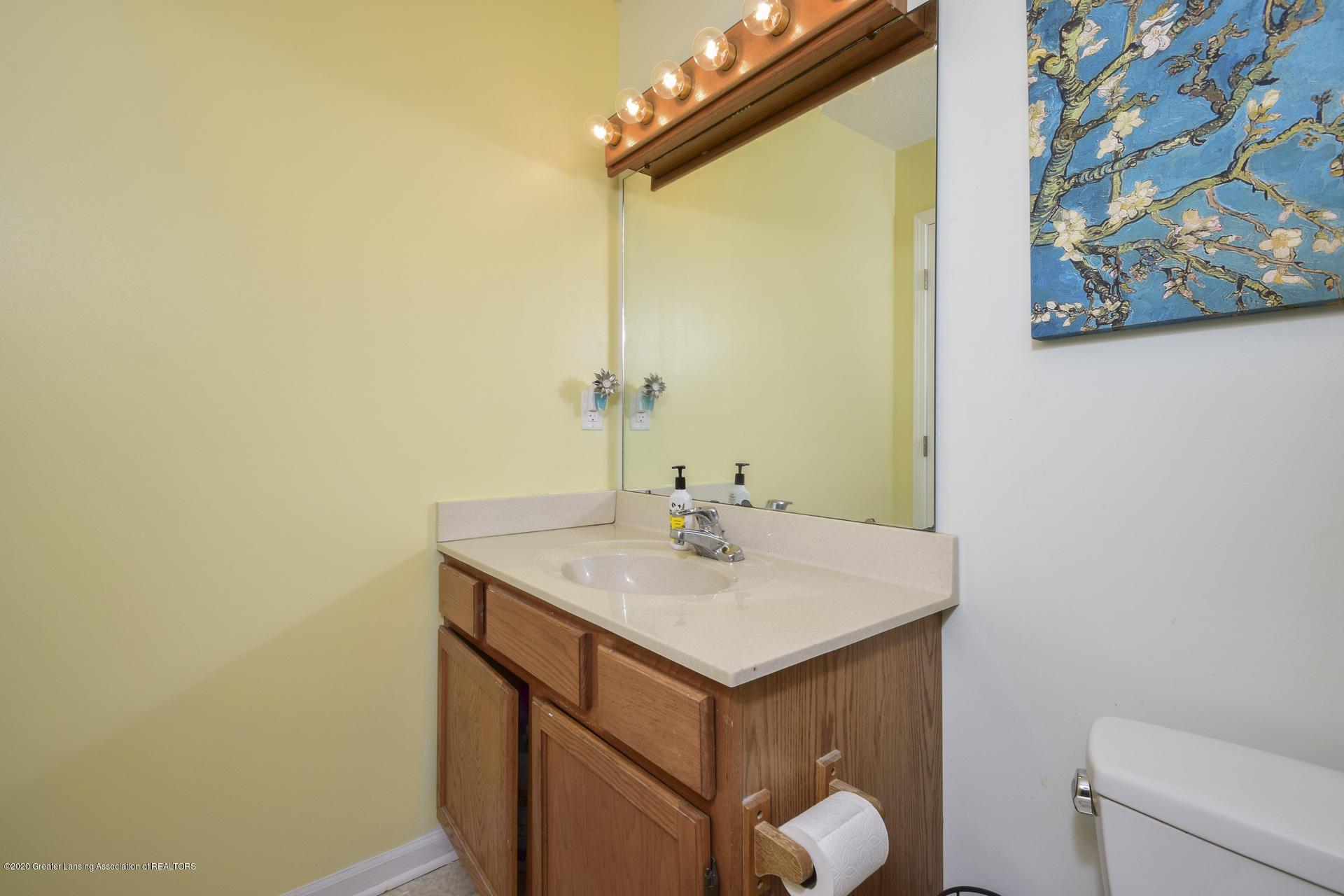 1815 Meghann Ln - 025-photo-bathroom-8140494 - 26