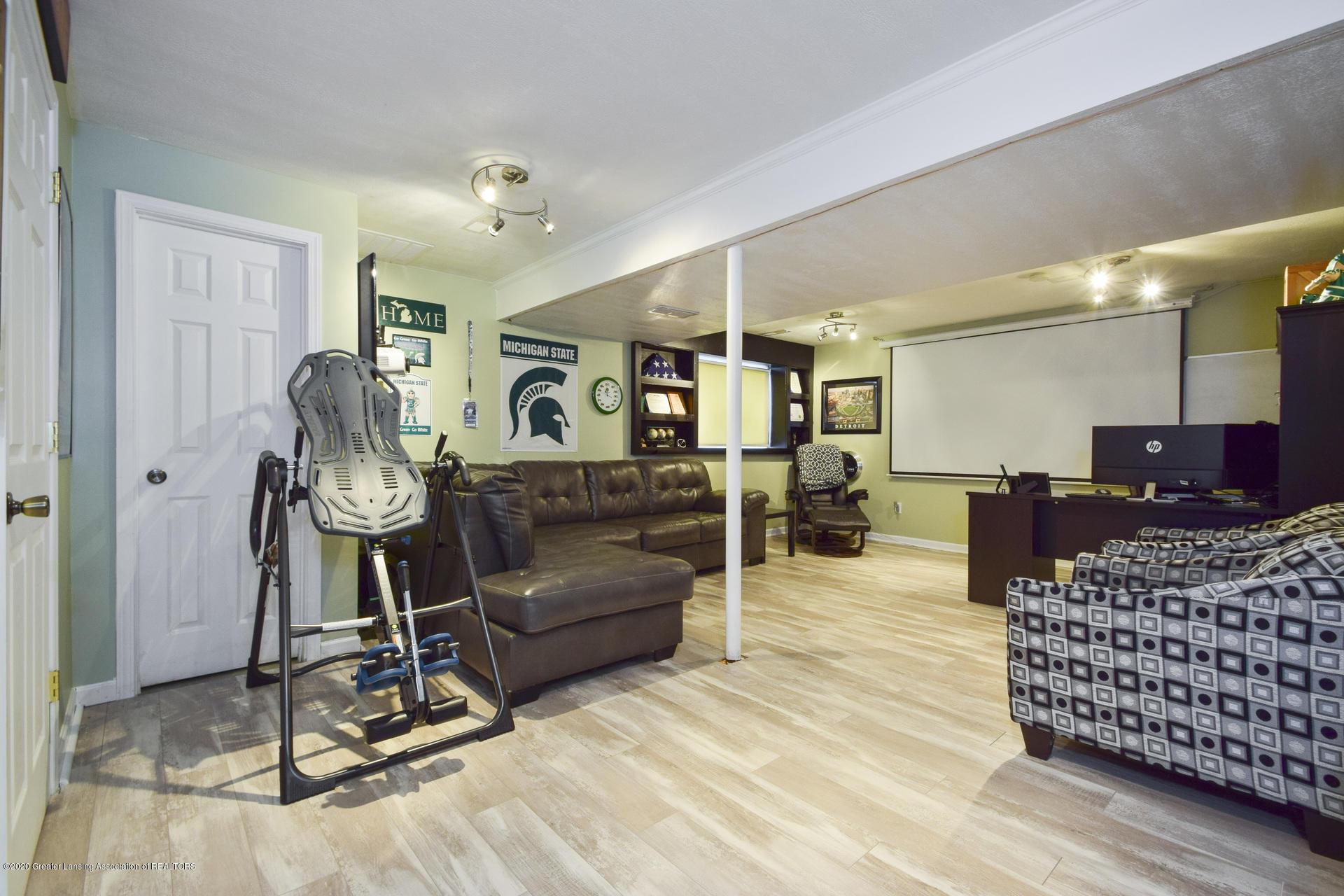 1815 Meghann Ln - 028-photo-family-room-8140499 - 29