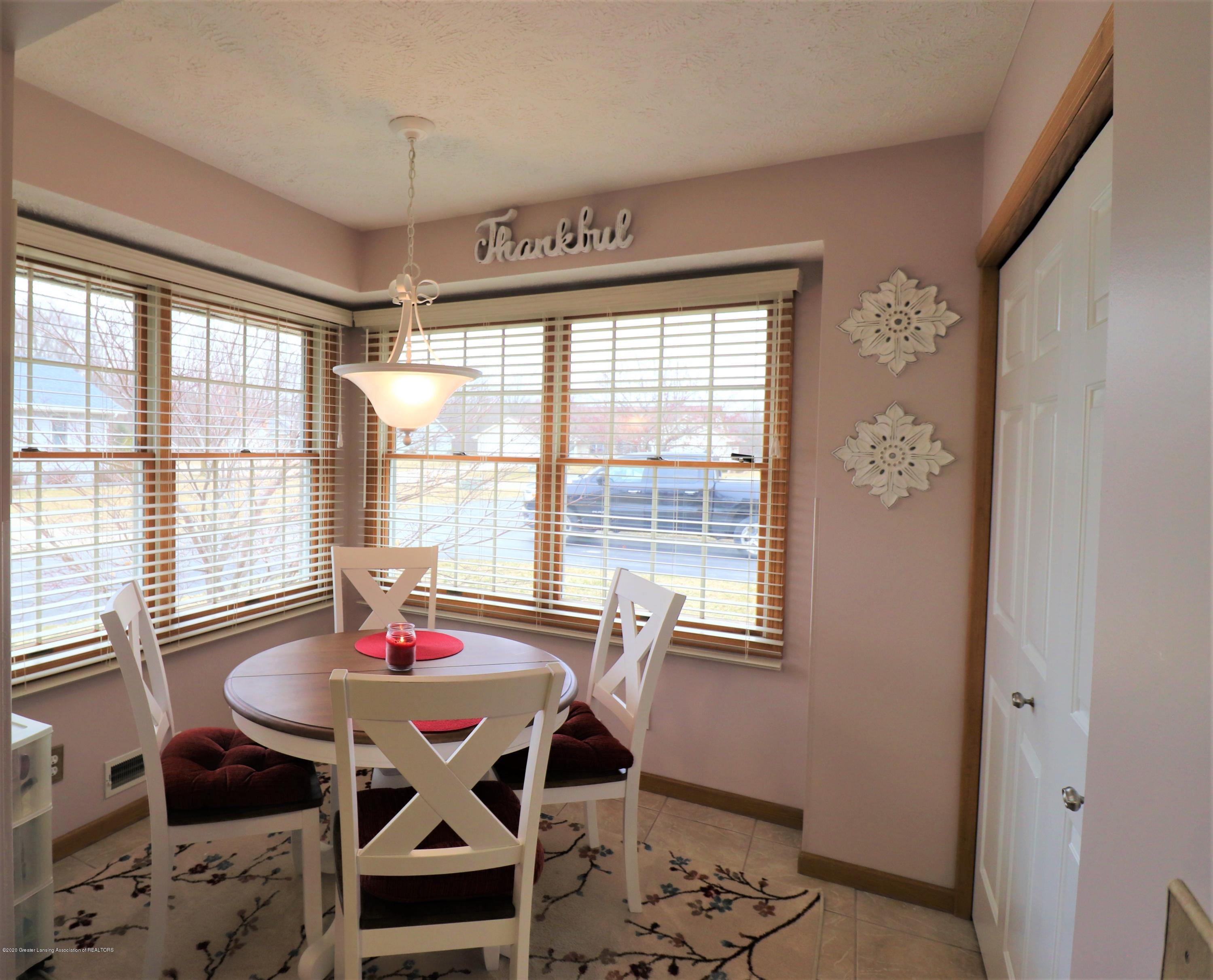 2943 12 Oaks Dr - Breakfast nook and Laundry 2 - 7