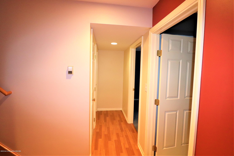 2943 12 Oaks Dr - Basement Hall - 26