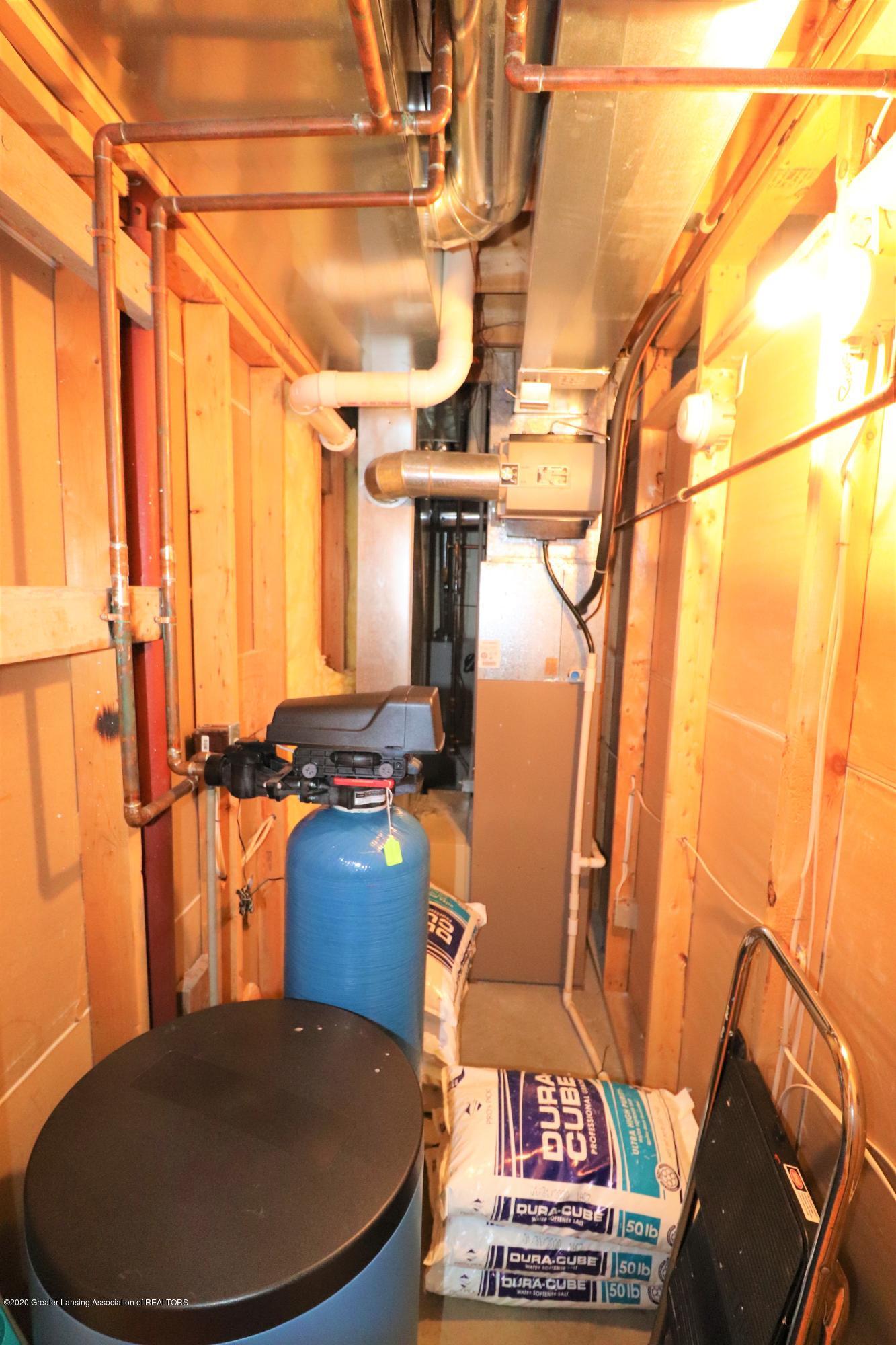 2943 12 Oaks Dr - Basement Utility - 34