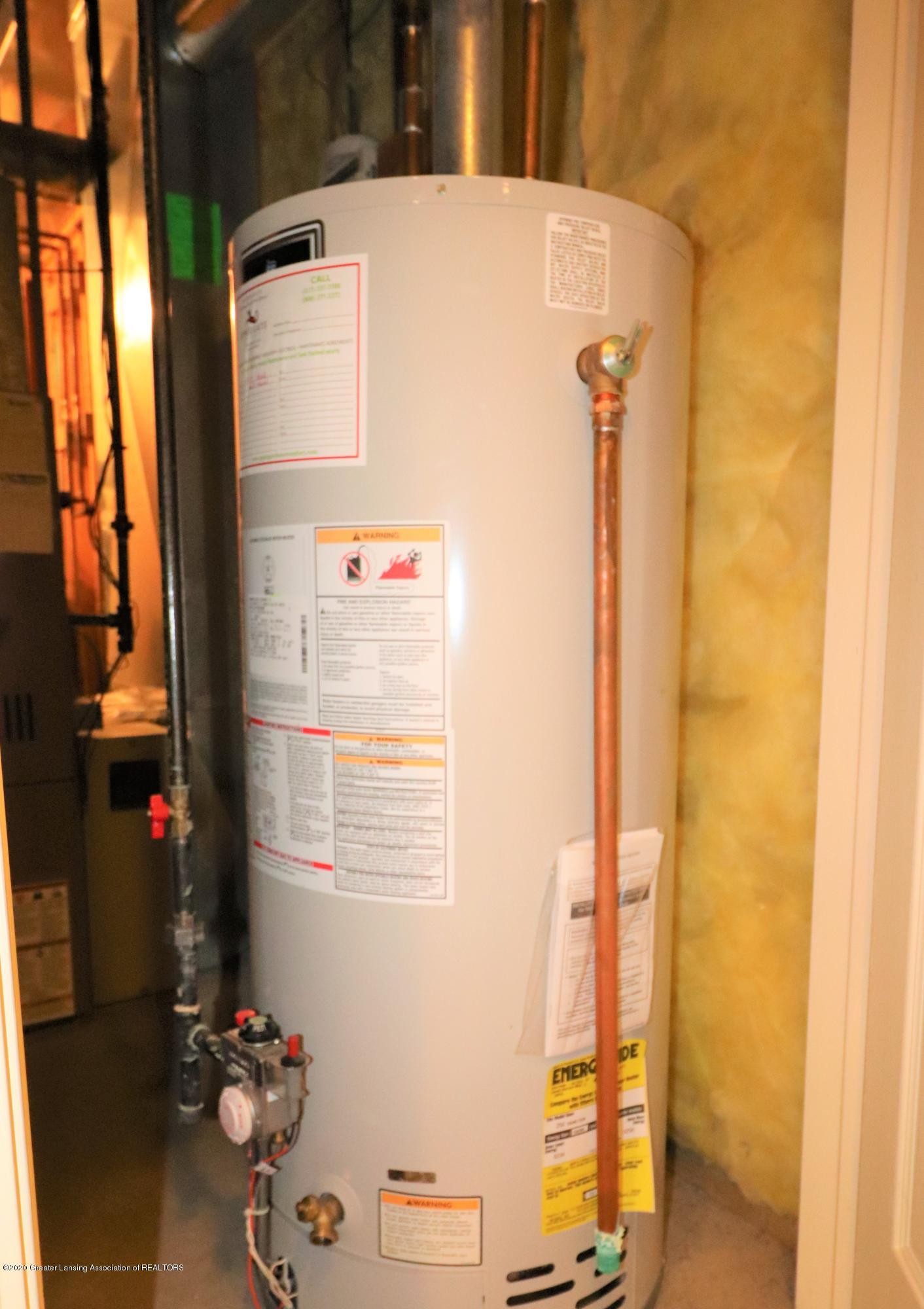 2943 12 Oaks Dr - Baement HOT WATER HEATER - 35