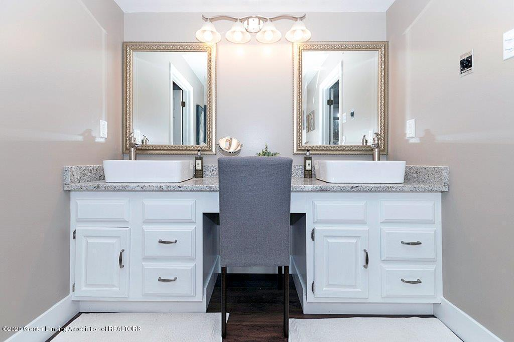 3794 Chippendale Dr - MASTER BATH - 14