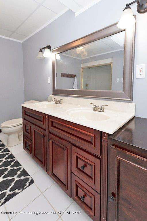 3794 Chippendale Dr - FULL BATHROOM - 28