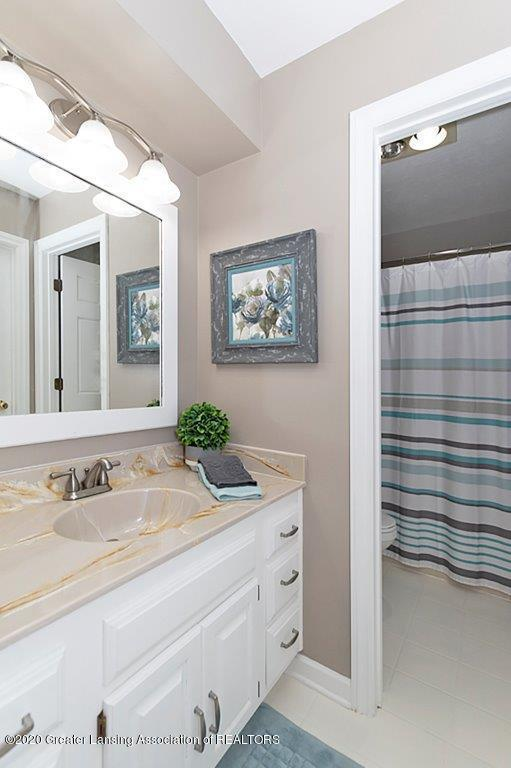 3794 Chippendale Dr - FULL BATHROOM - 21