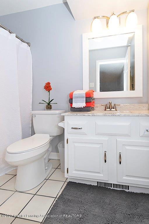 3794 Chippendale Dr - FULL BATHROOM - 22