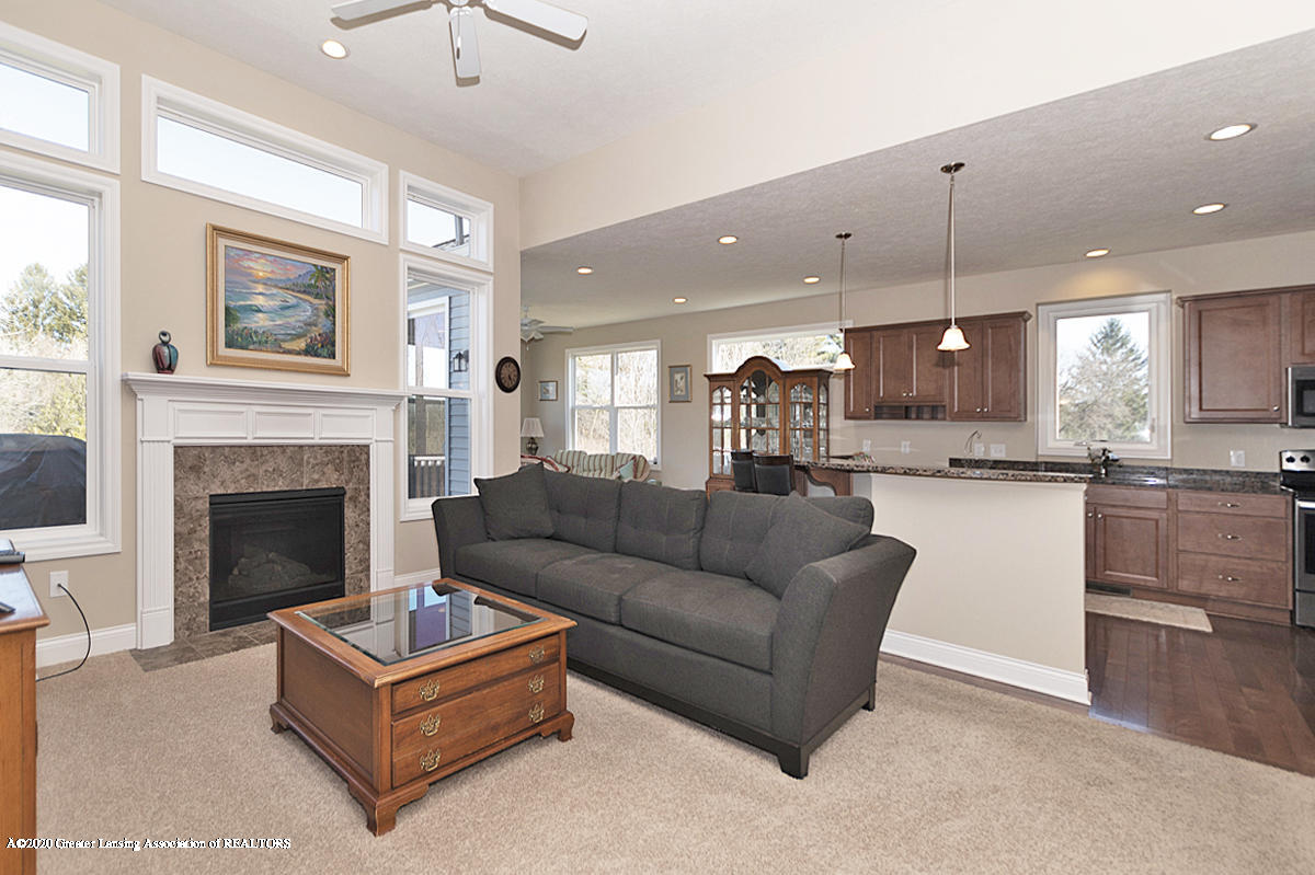 2424 Turning Leaf Ln - FAMILY ROOM - 2