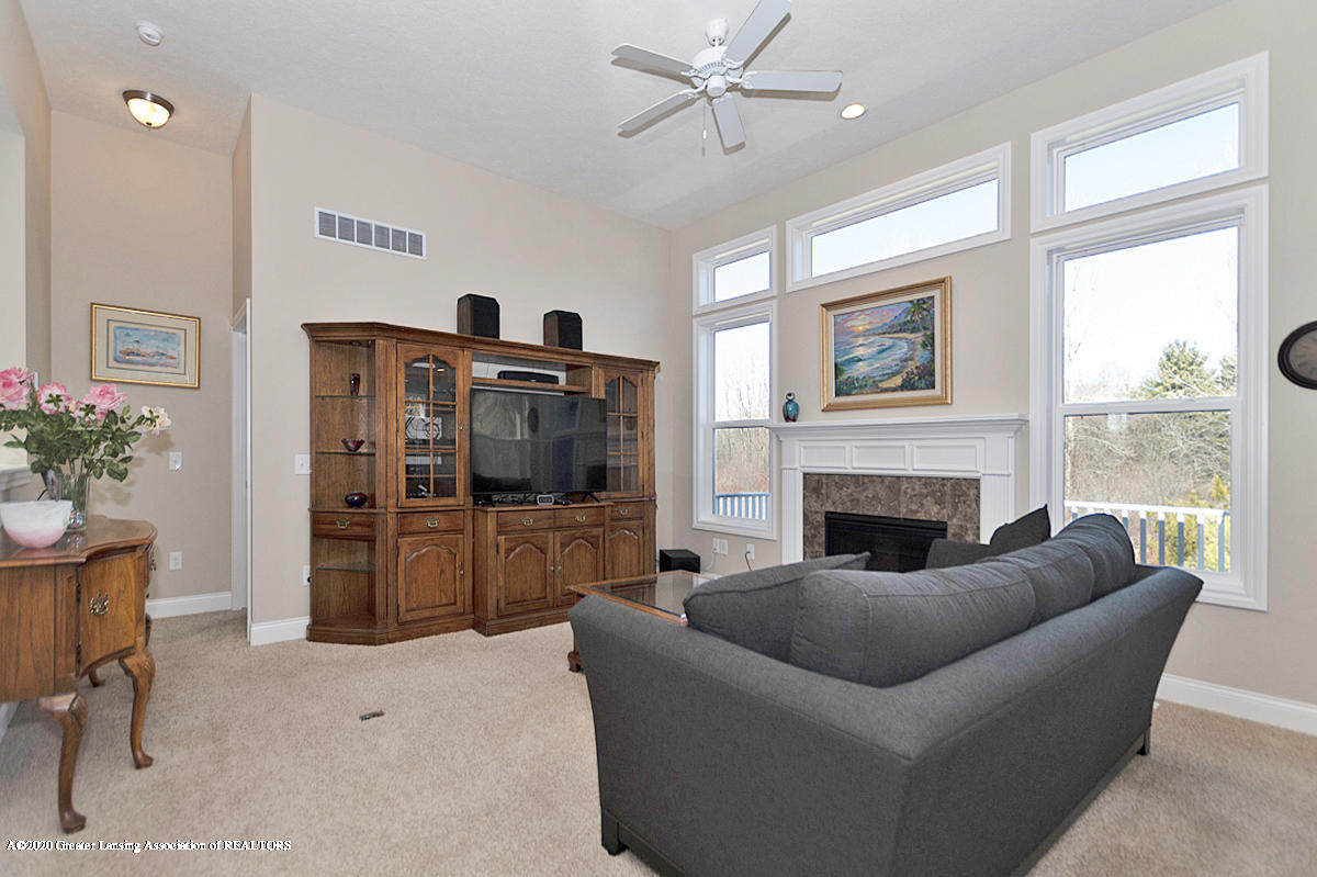 2424 Turning Leaf Ln - FAMILY ROOM - 4