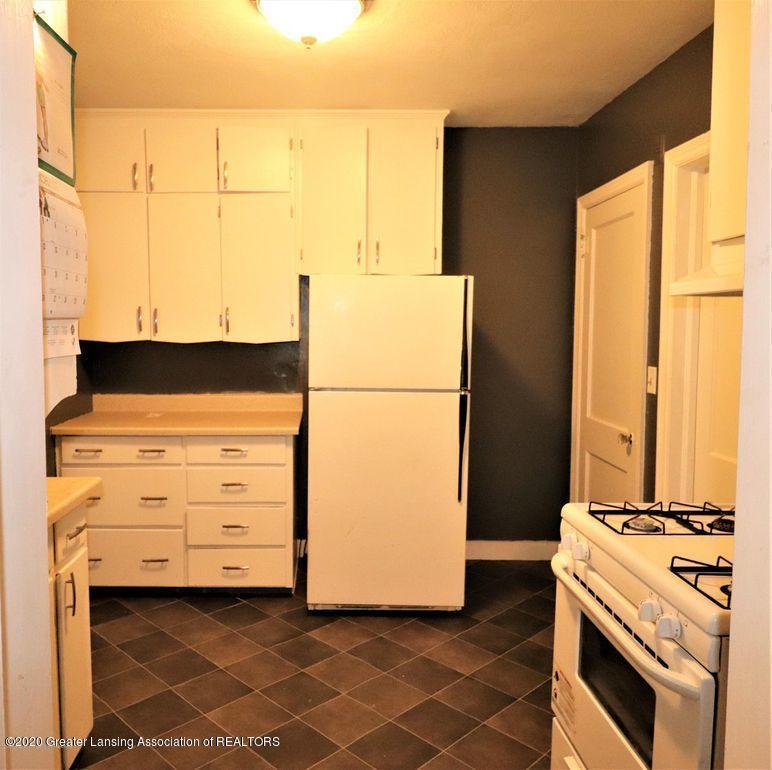 112 E Shaw St - Kitchen 2 - 9