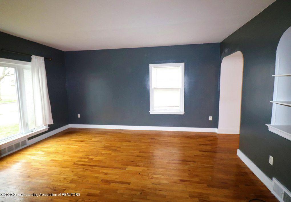 112 E Shaw St - Livingroom 1 - 14
