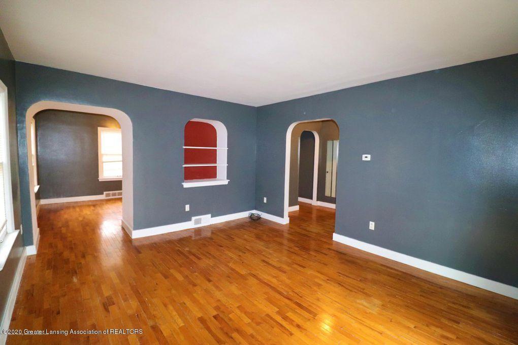 112 E Shaw St - Livingroom 2 - 15