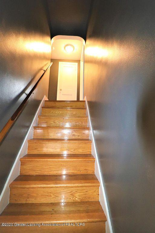 112 E Shaw St - Stairs 2 - 19