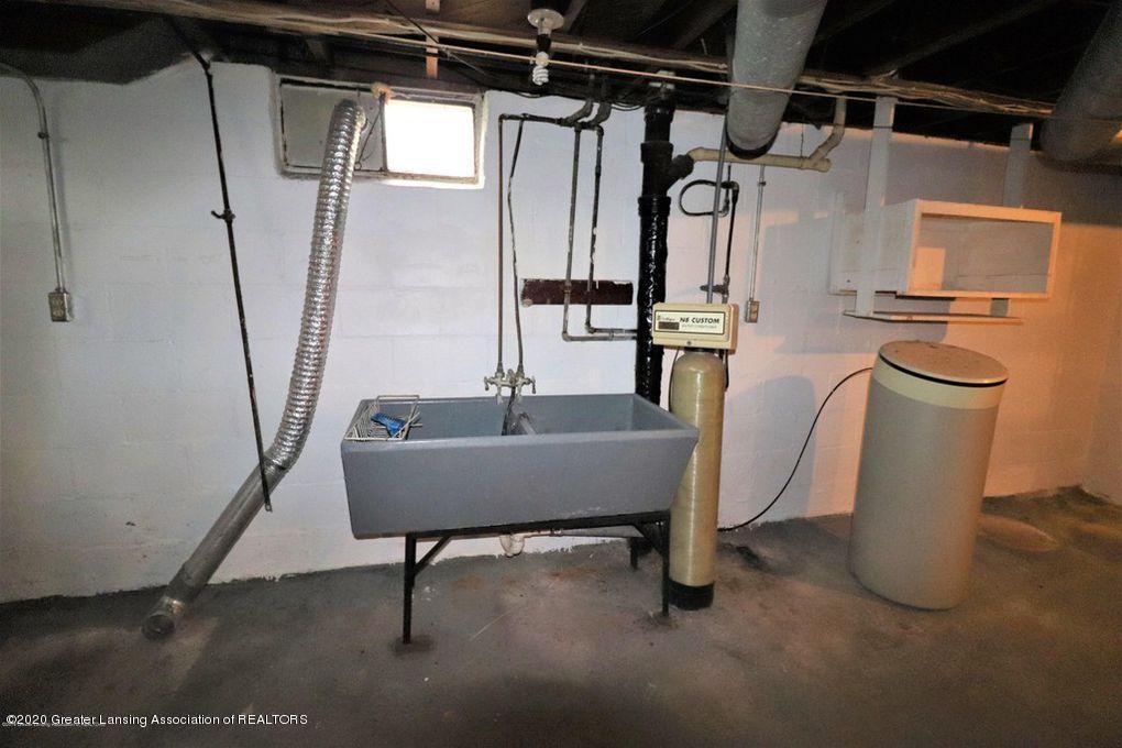 112 E Shaw St - Laundry Area - 26