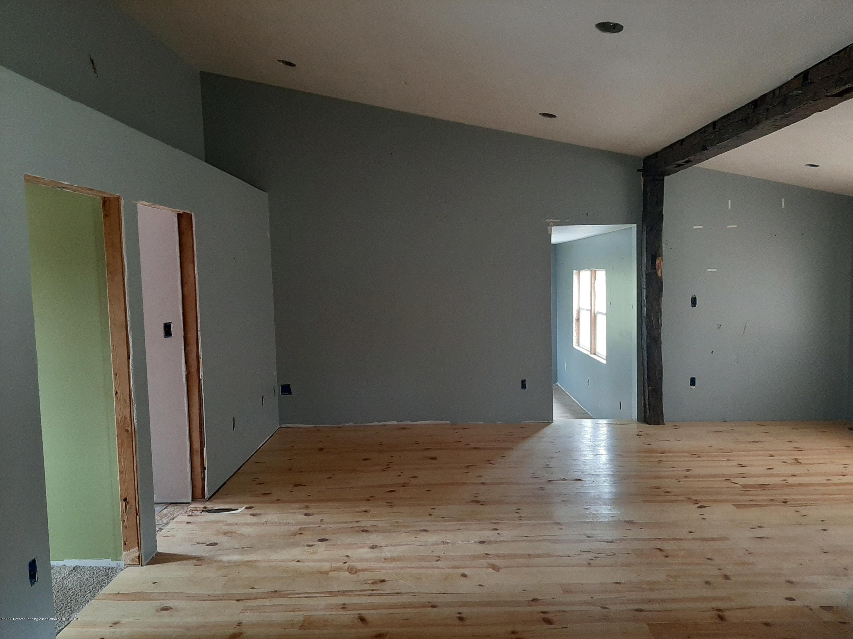 4124 Drumheller Rd - Living room - 4