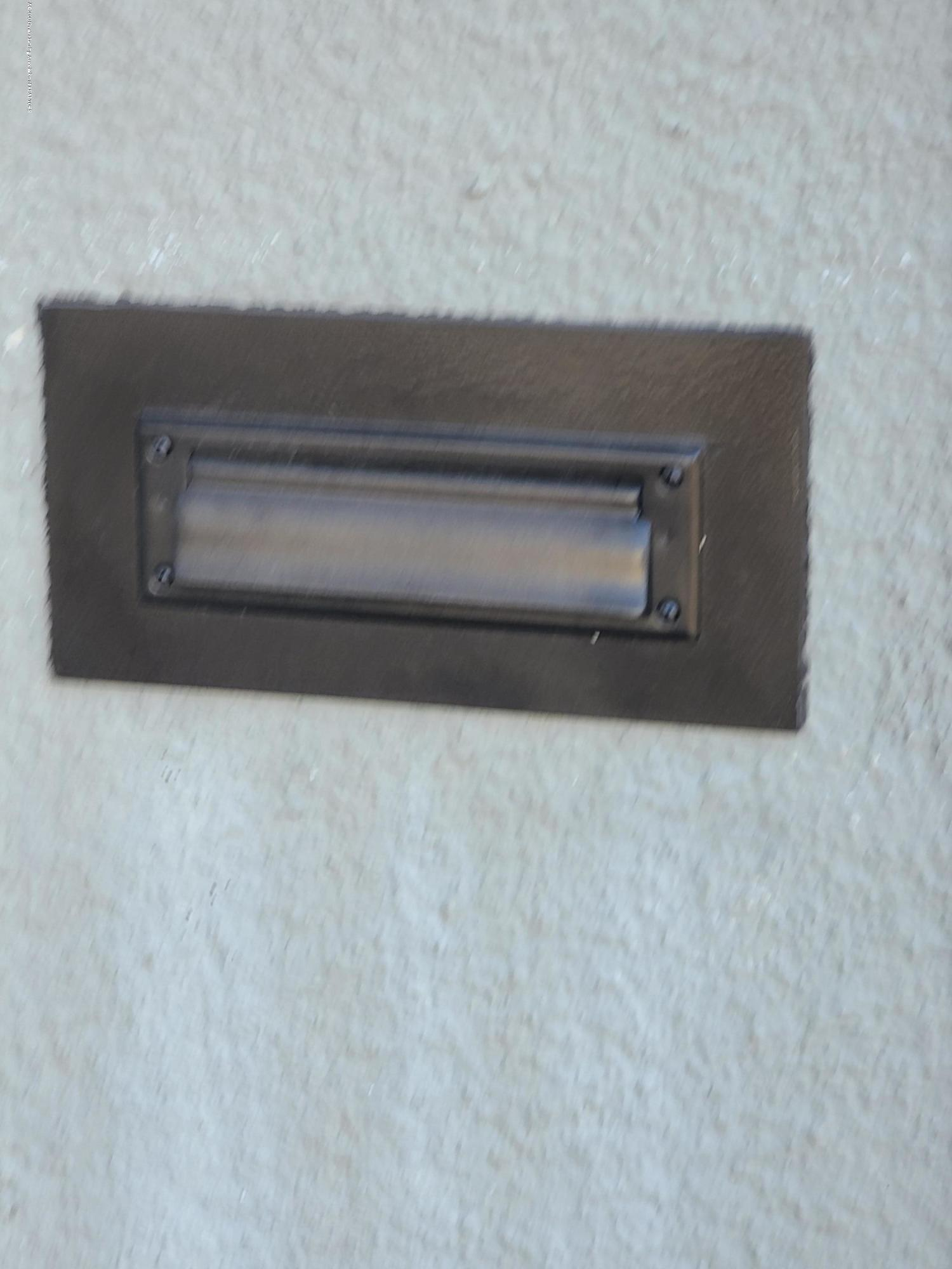 321 W Stoddard St - Mailbox door outside - 25
