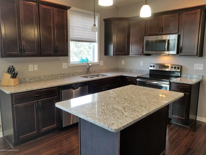 8686 Yellowstone Ln - Gourmet Kitchen - 13