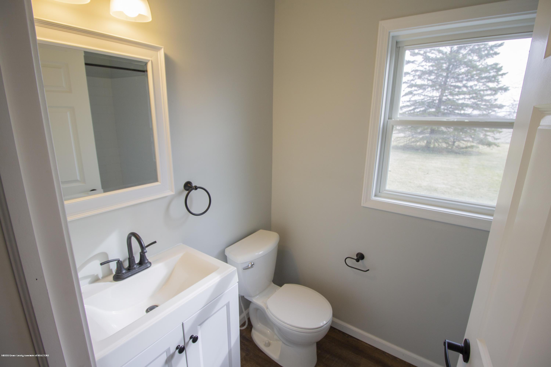 11750 N Cochran Rd - downstairs bath - 8