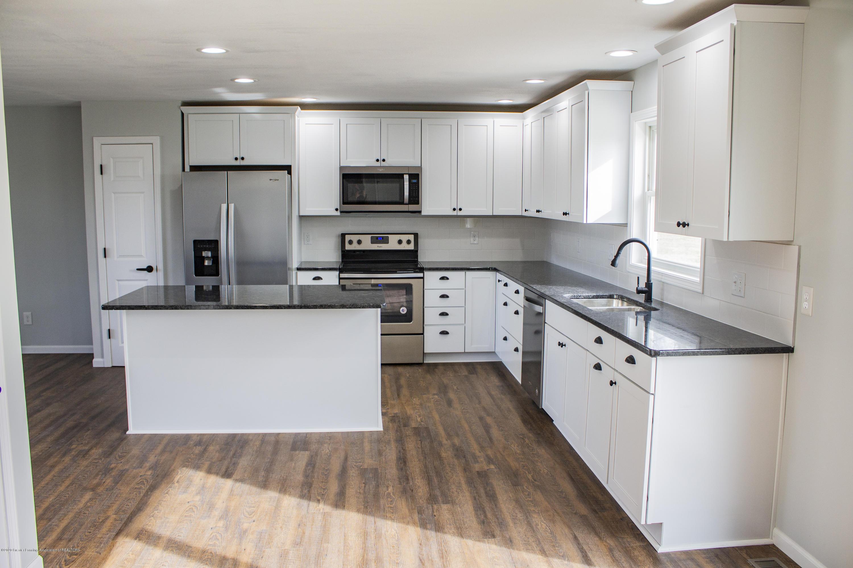 11750 N Cochran Rd - kitchen 2 - 5