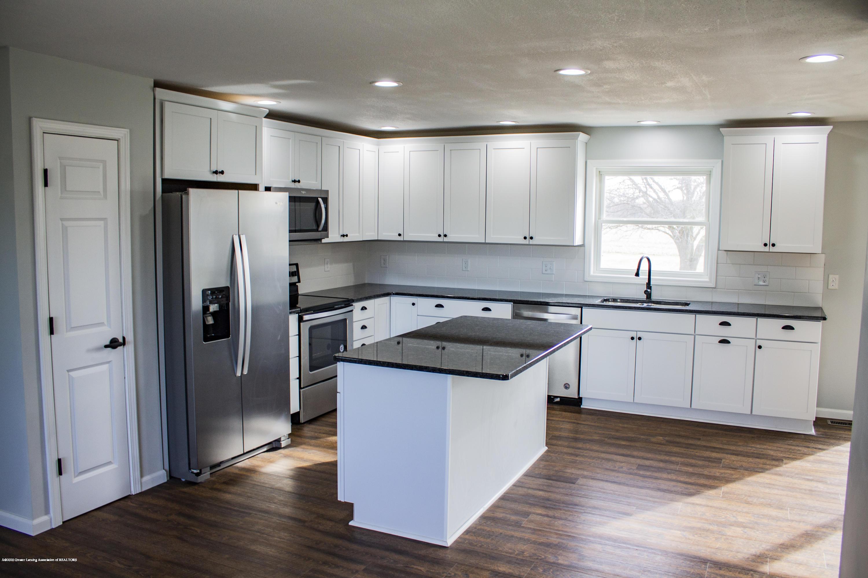 11750 N Cochran Rd - kitchen - 2