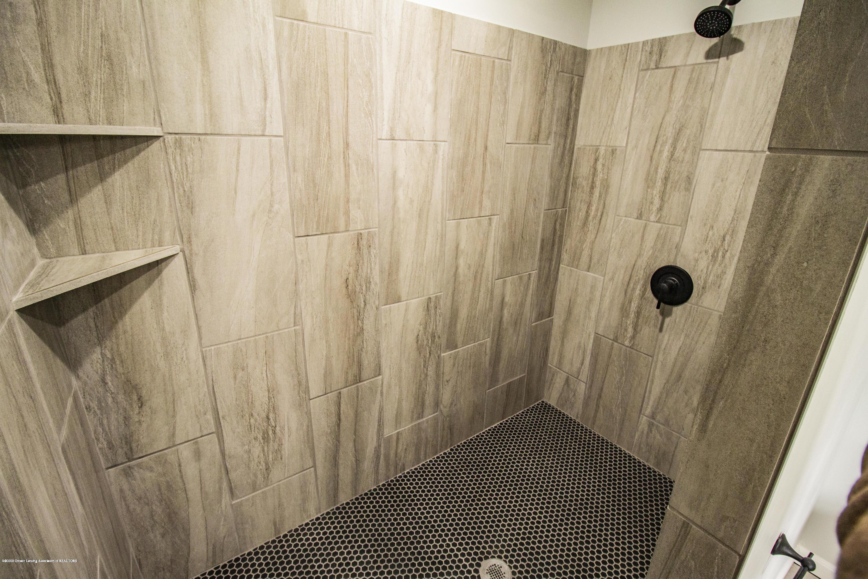 11750 N Cochran Rd - master bath shower - 18