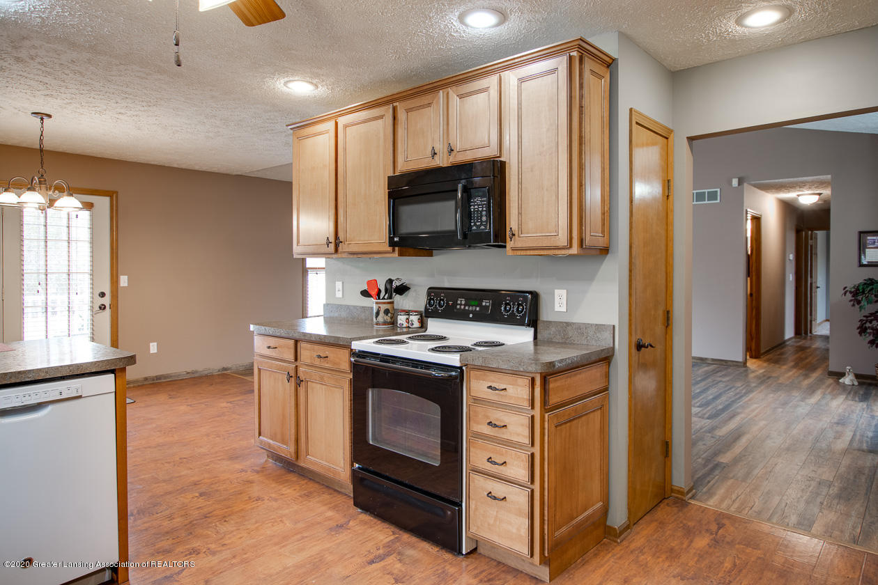 9455 Lookout Point Dr - Kitchen - 9
