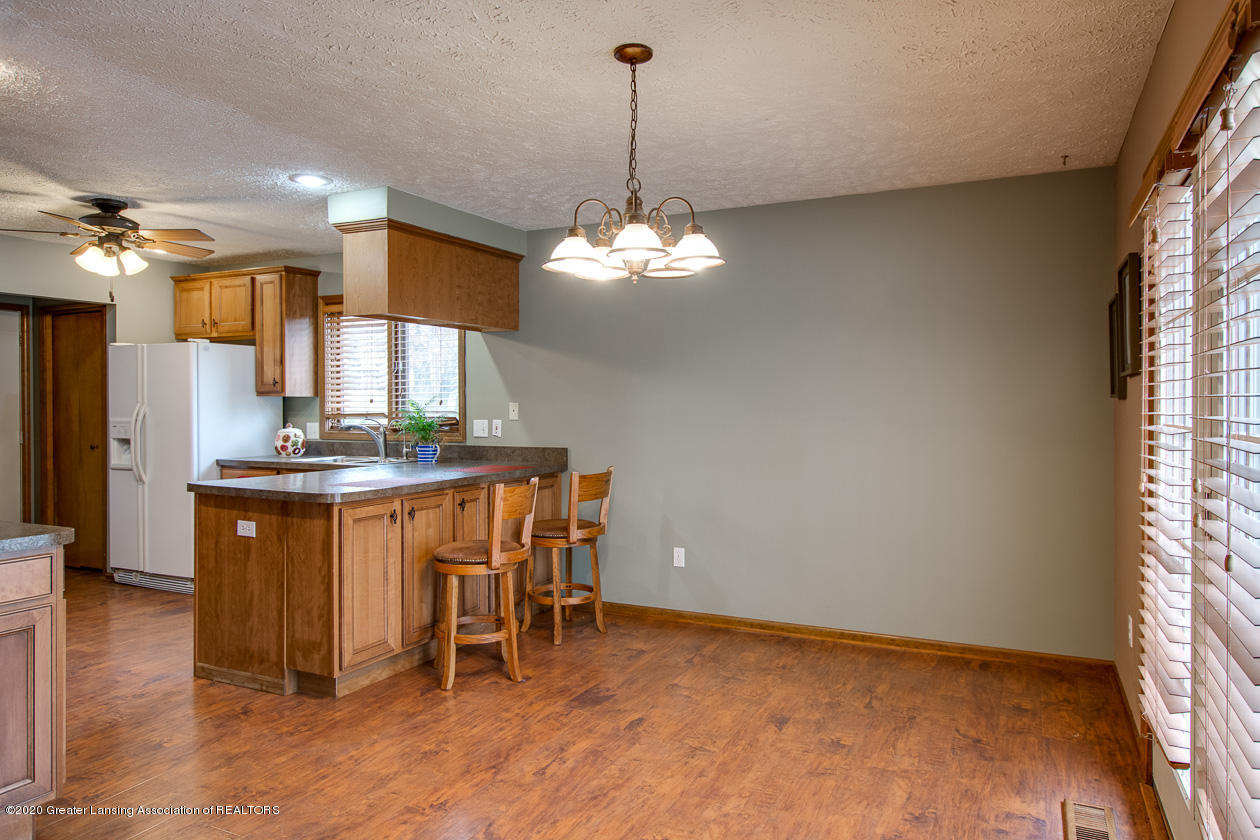 9455 Lookout Point Dr - Dining - 7