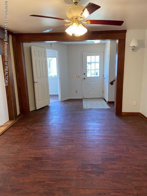 115 Abbott St - livingroom3 - 10