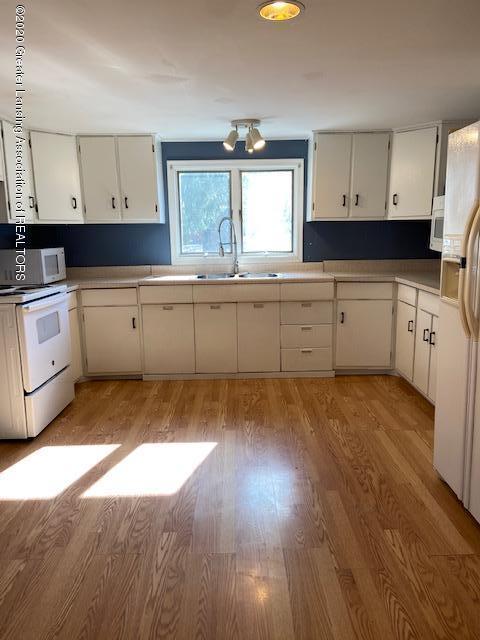115 Abbott St - kitchen1 - 11