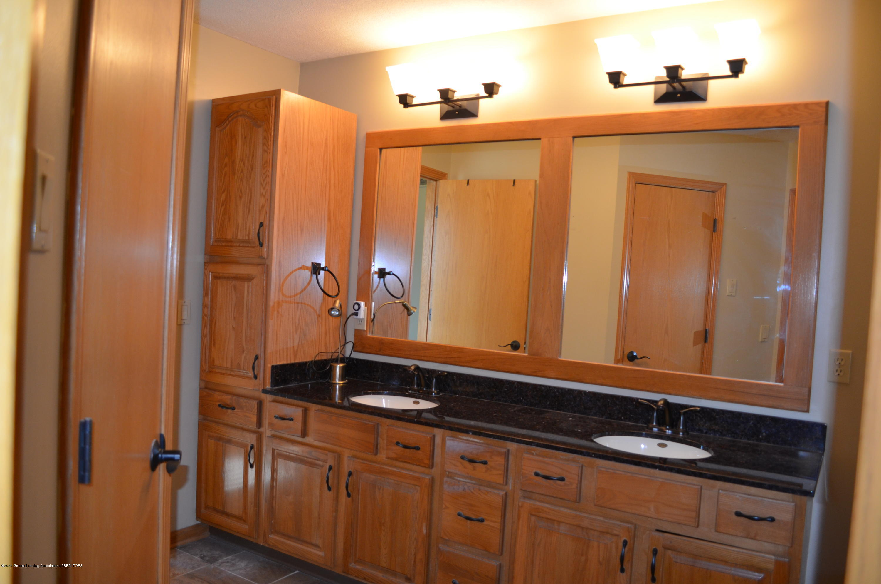 2349 Barnsbury Rd - Marble Counter Double Sink - 16