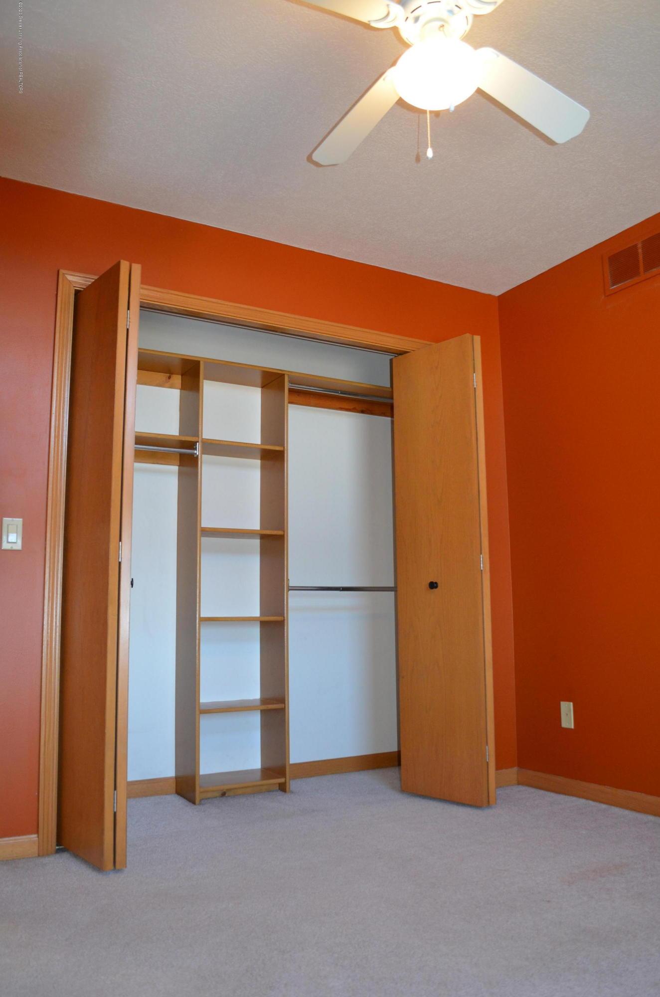 2349 Barnsbury Rd - Built in Closet Organizer - 23