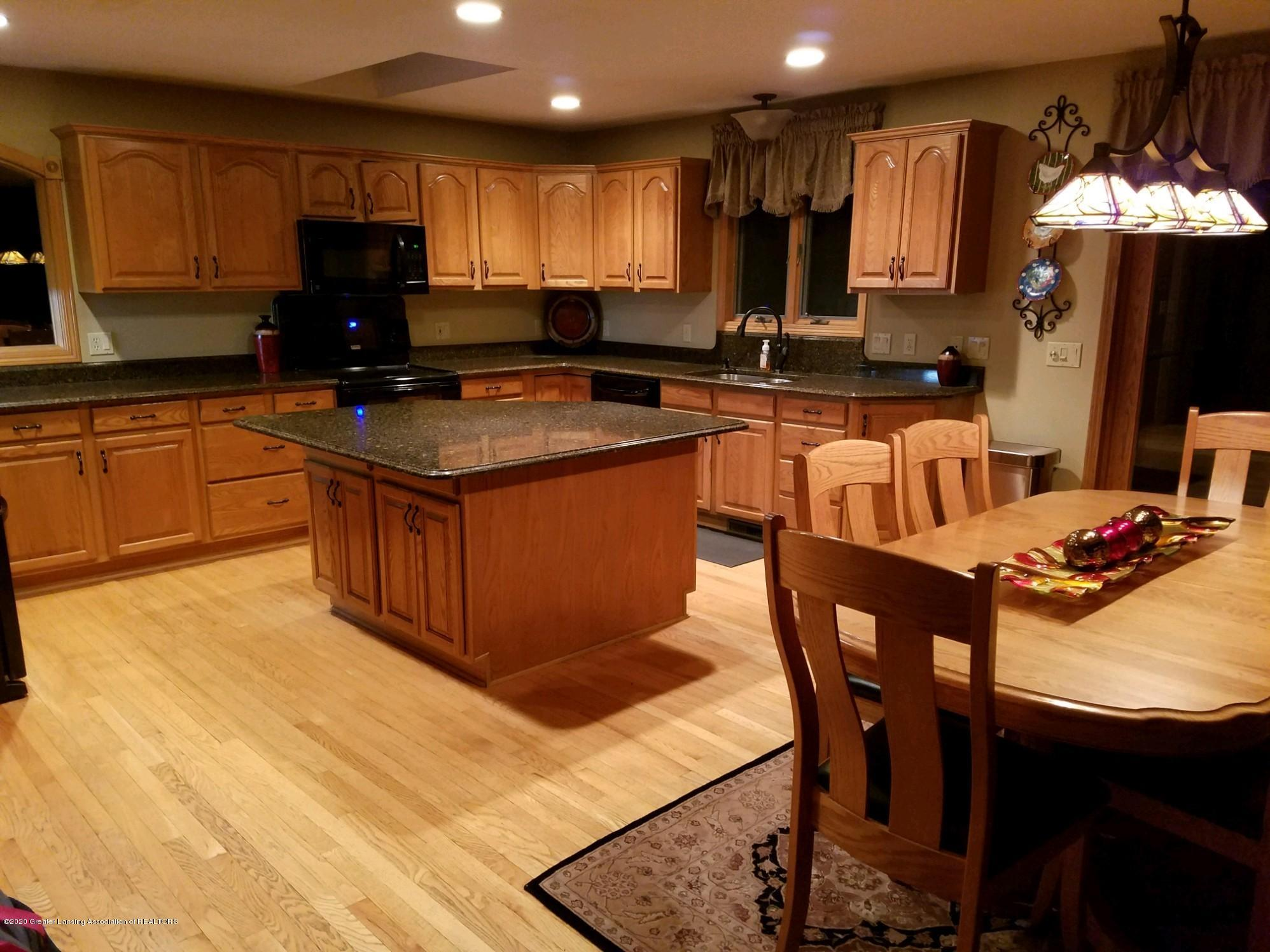 2349 Barnsbury Rd - Kitchen Dining - 27