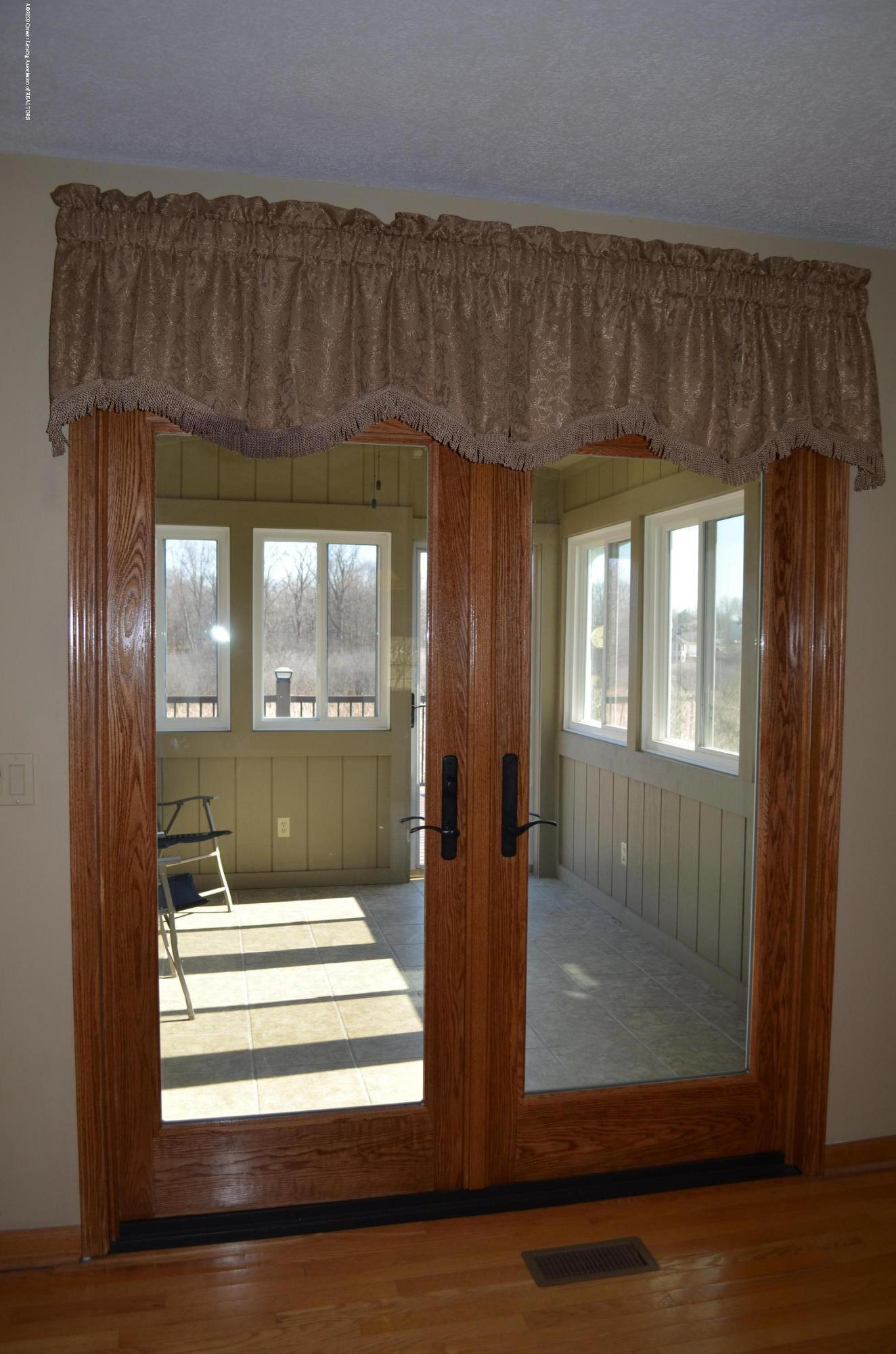 2349 Barnsbury Rd - French Door to 3 Season Room - 31