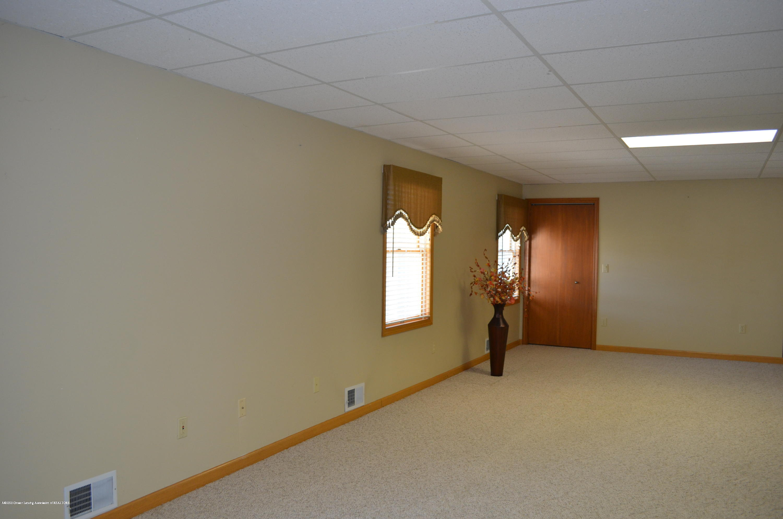 2349 Barnsbury Rd - LL Family Room - 46