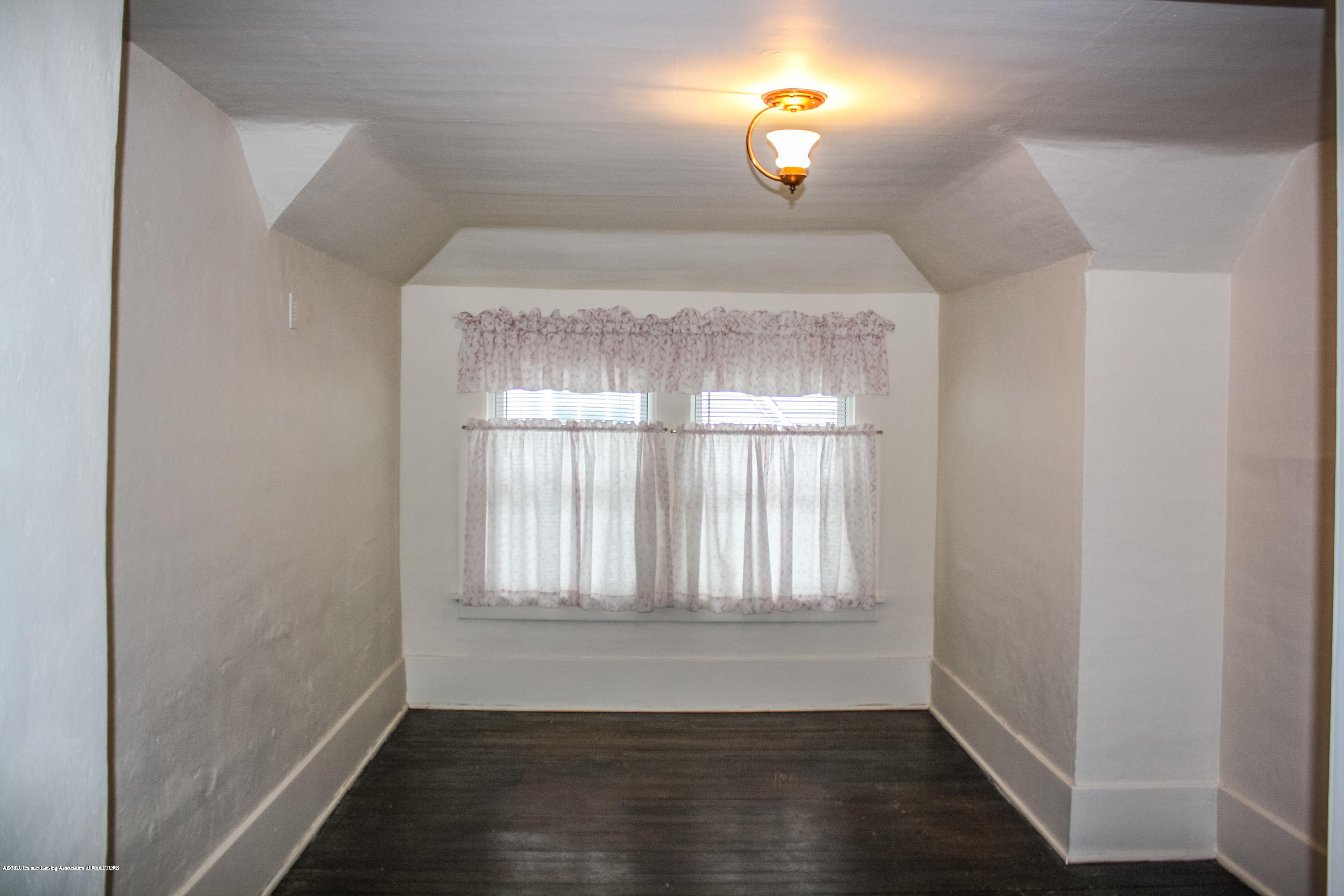 313 S Clemens Ave - Bedroom 3 - 21