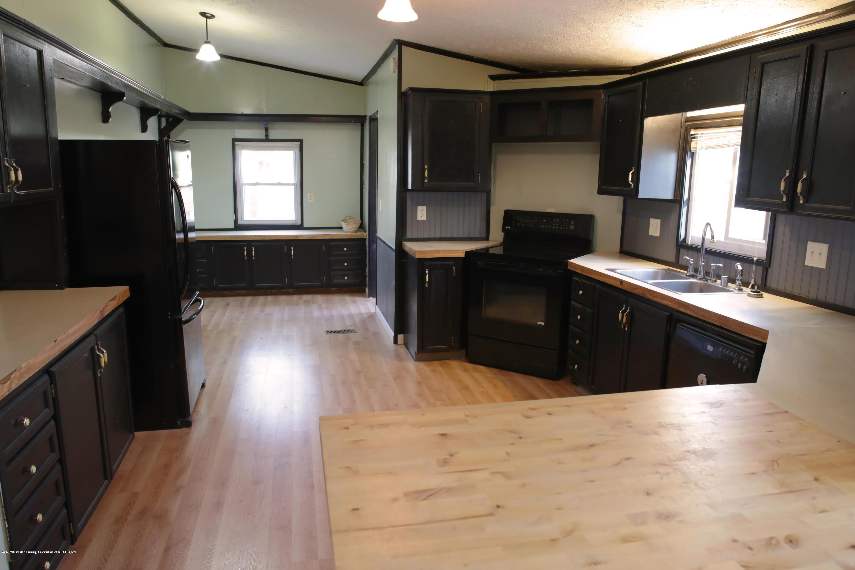 2383 E Maple Rapids Rd - MR Kitchen 2 - 3
