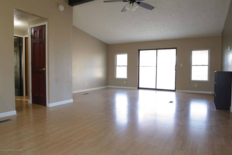 2383 E Maple Rapids Rd - MR Living Room - 6