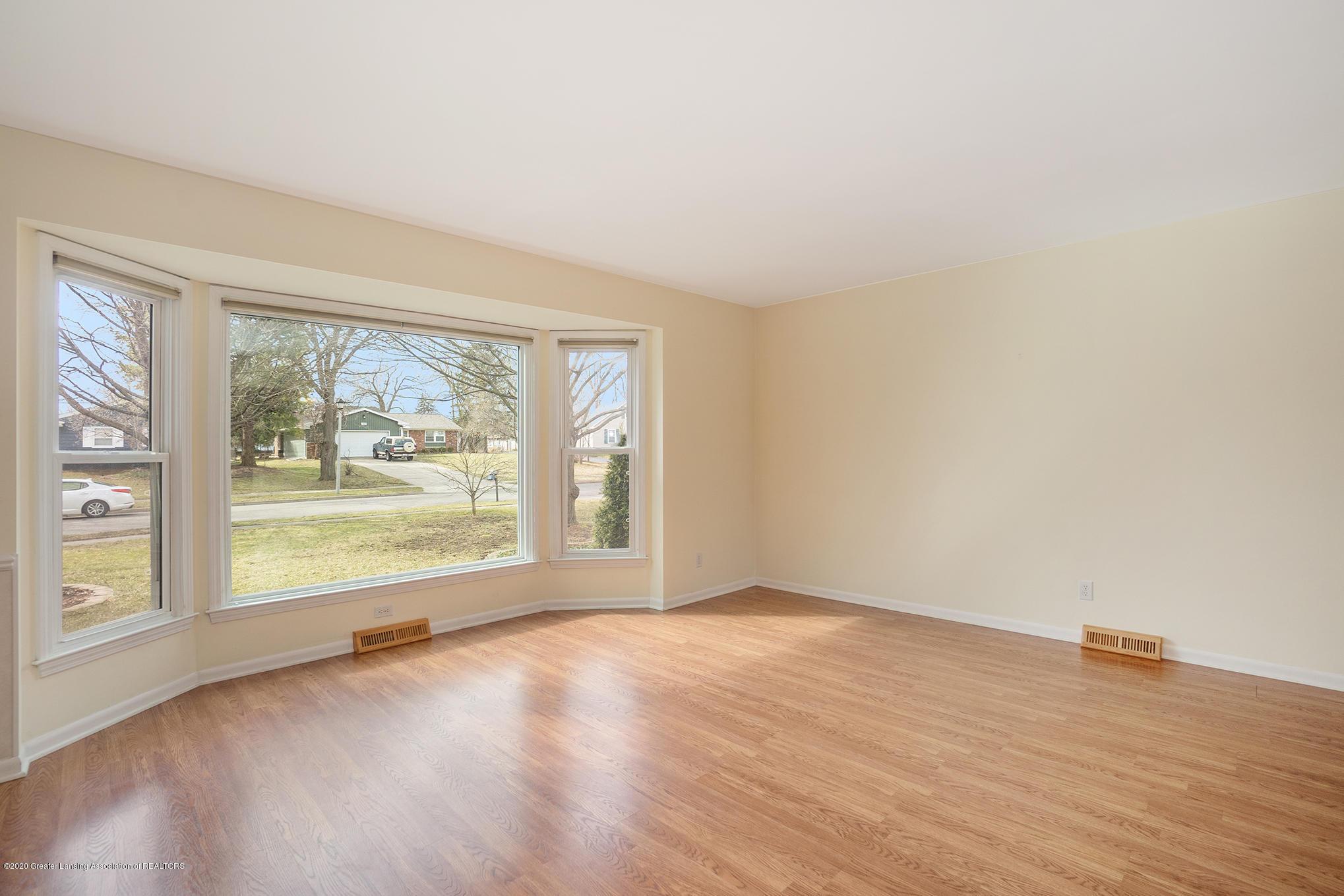 1266 Woodingham Dr - Living Area - 14
