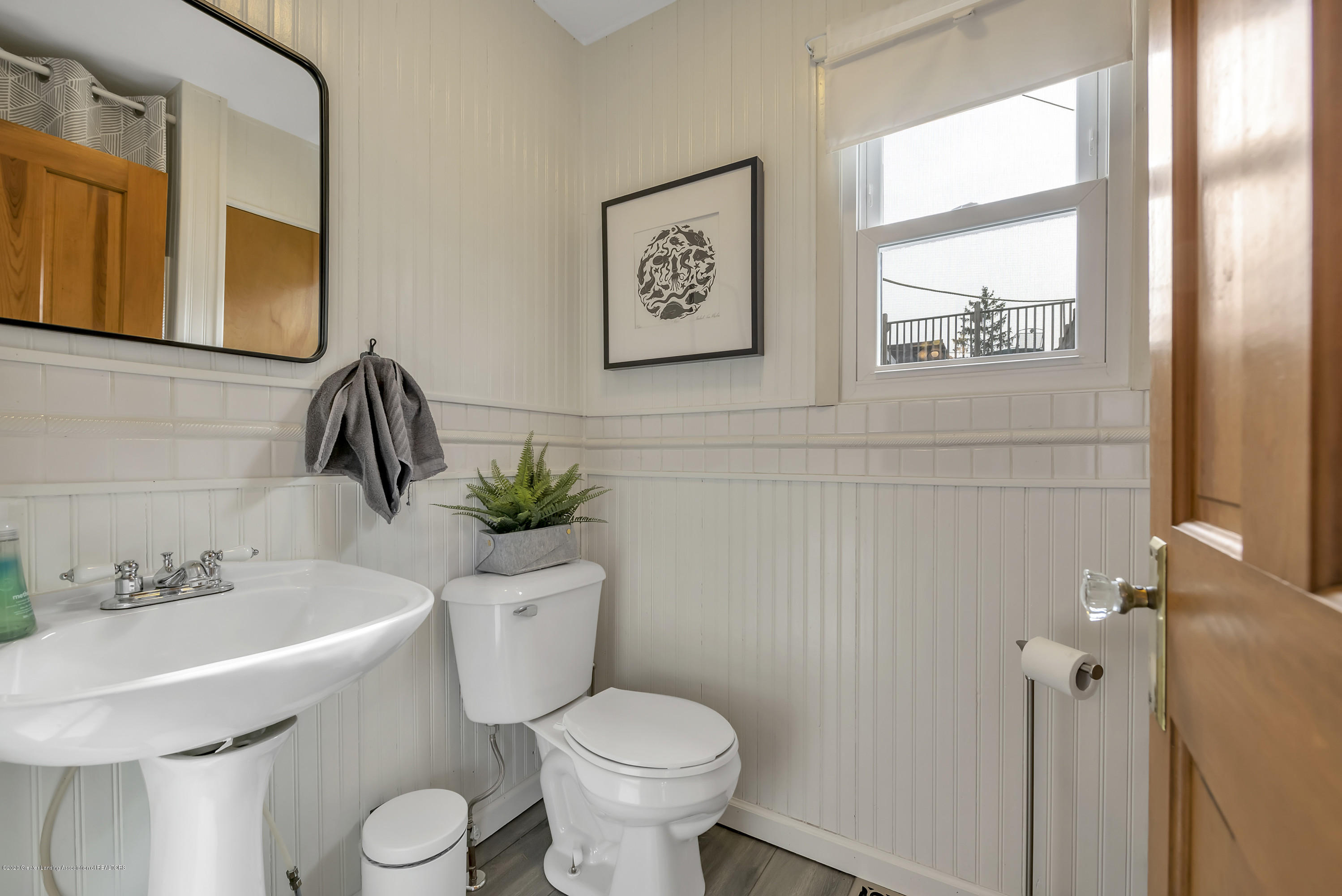 1041 W Grand River Ave - 1st Floor Half Bath - 18