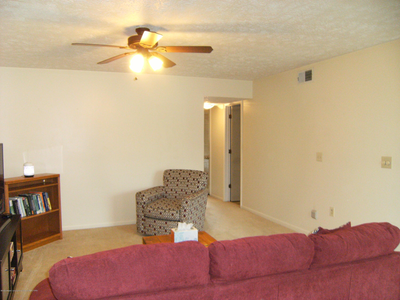 2044 Hamilton Rd 29 - Living room - 3