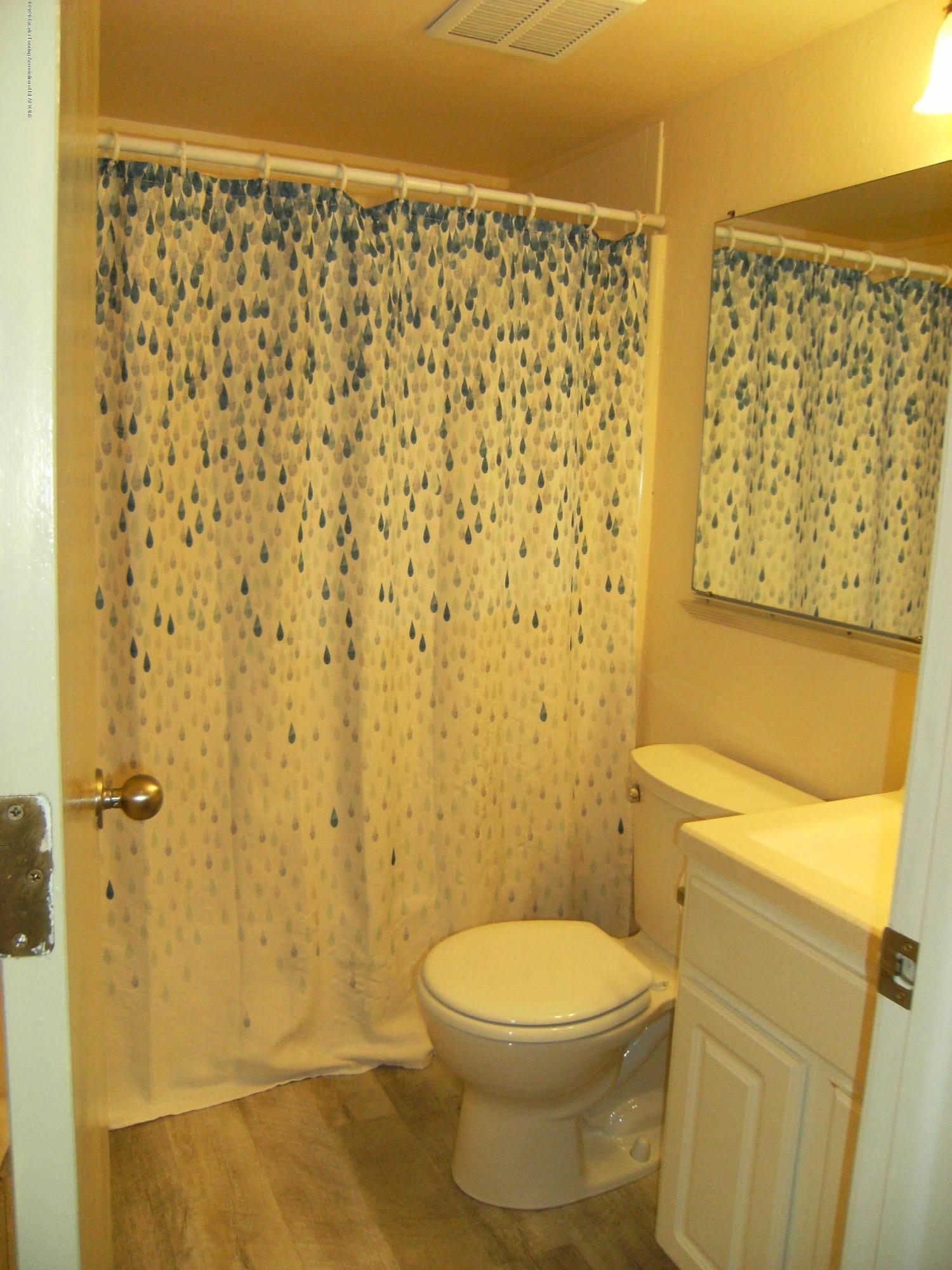 2044 Hamilton Rd 29 - Full bath - 8