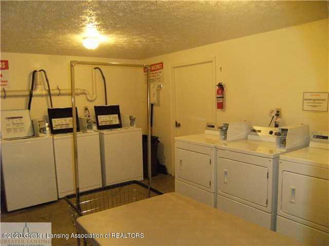 2044 Hamilton Rd 29 - Laundry room - 15