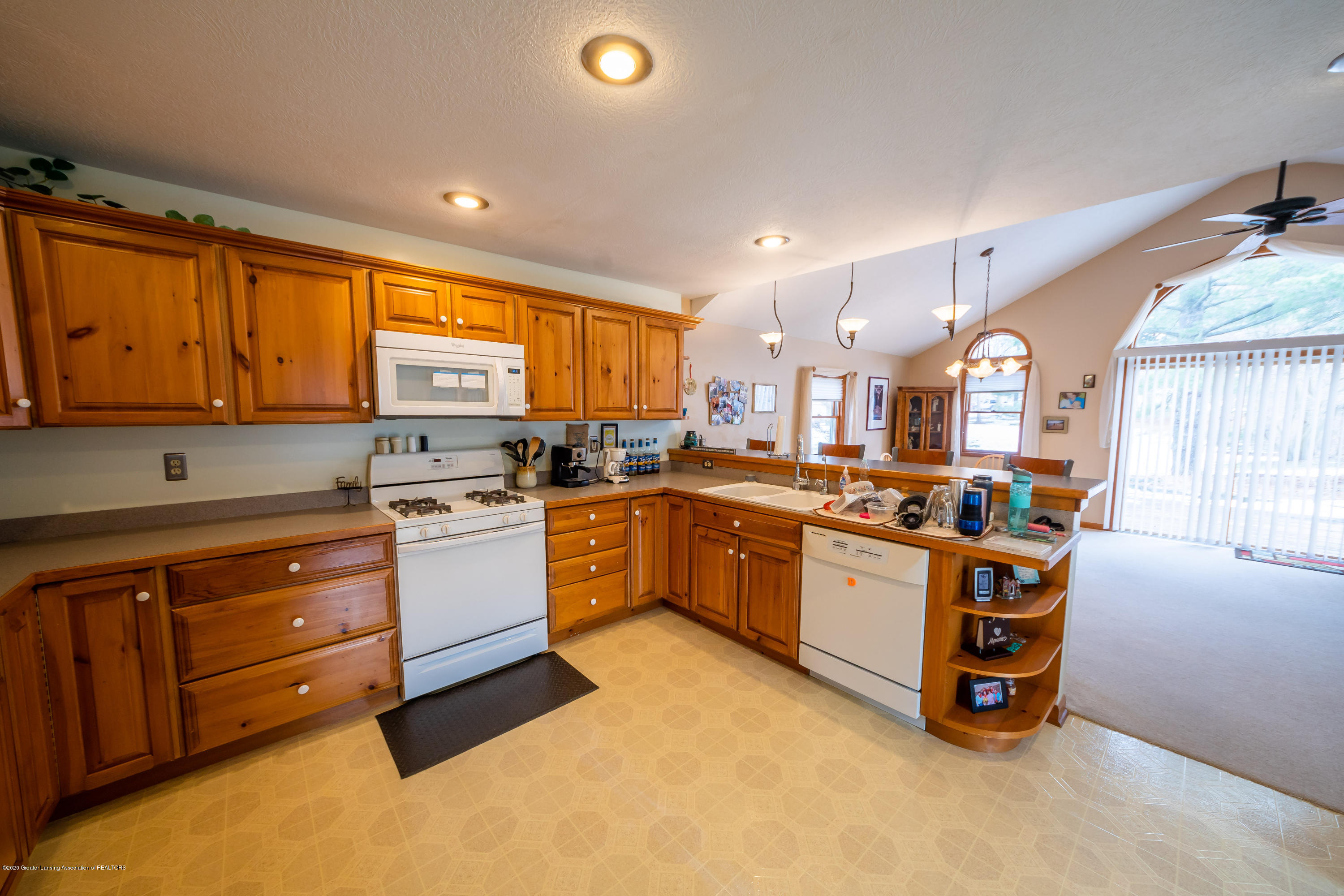8008 N Welling Rd - Kitchen - 6