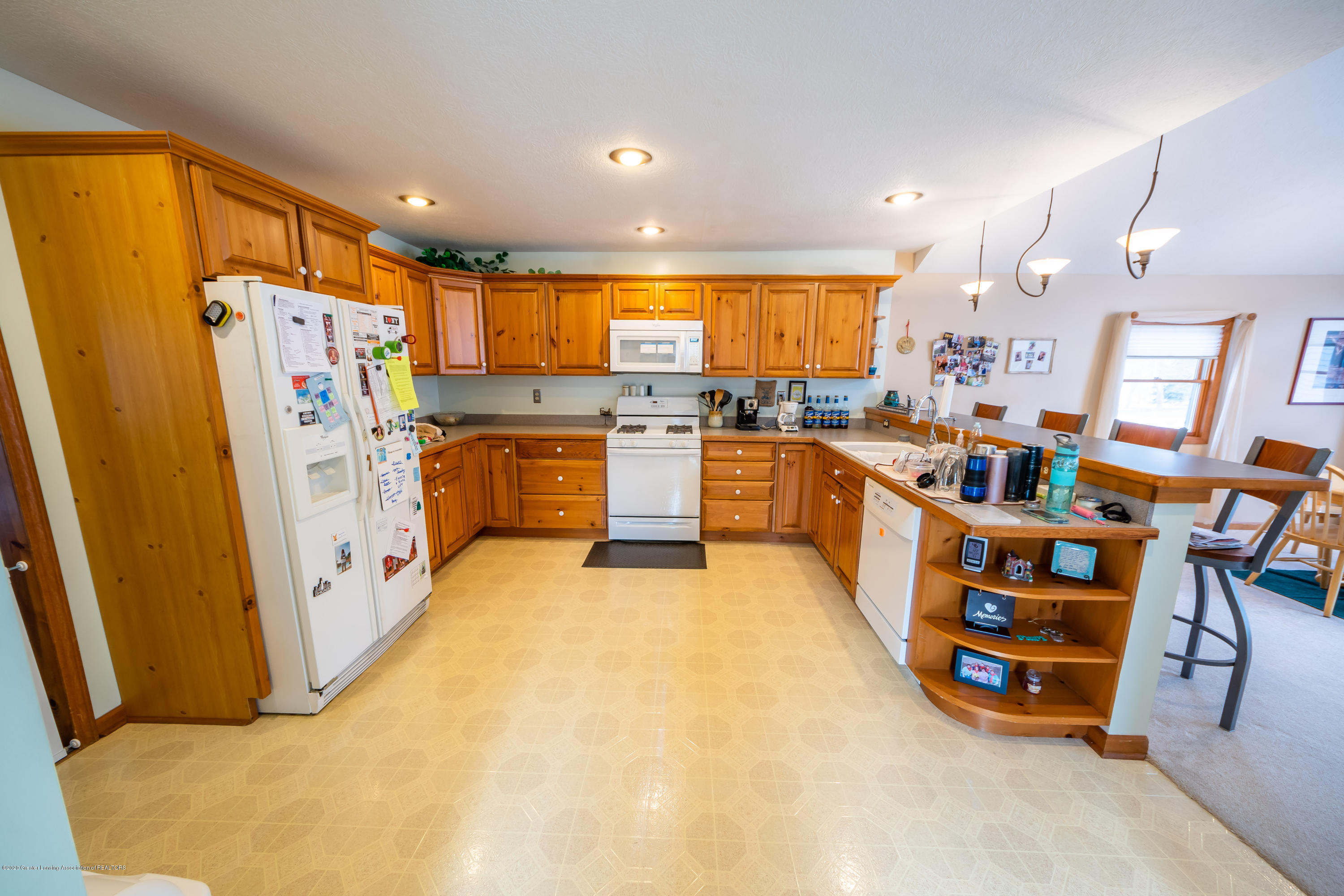 8008 N Welling Rd - Kitchen - 7