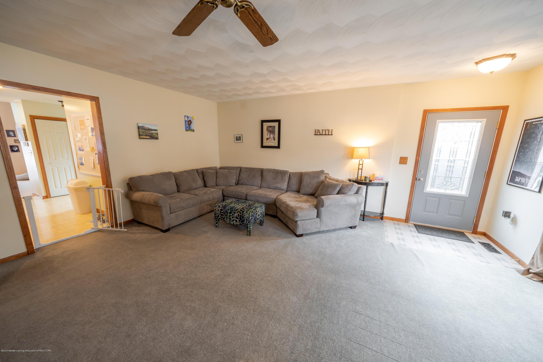 8008 N Welling Rd - Living Room - 9