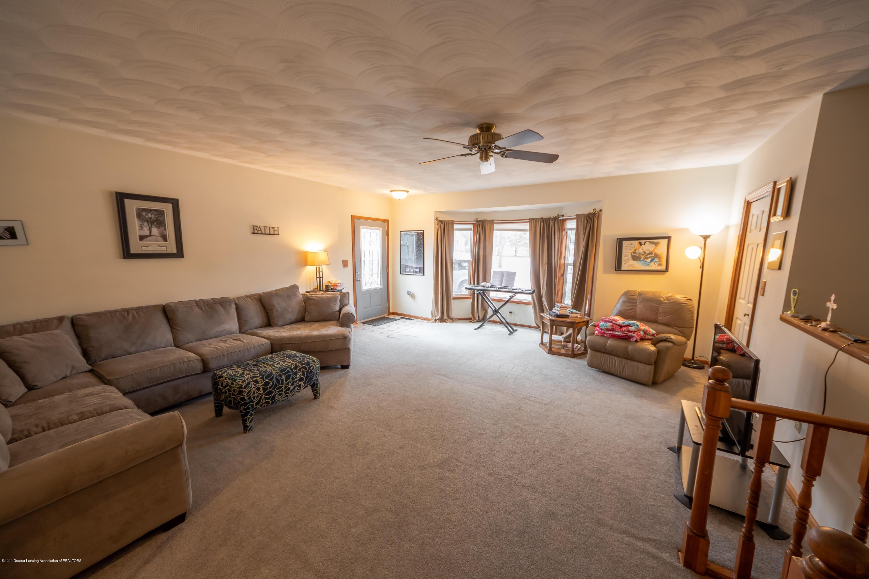 8008 N Welling Rd - Living Room - 10
