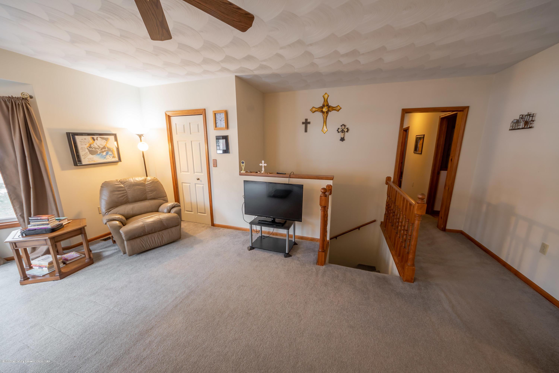 8008 N Welling Rd - Living Room - 11