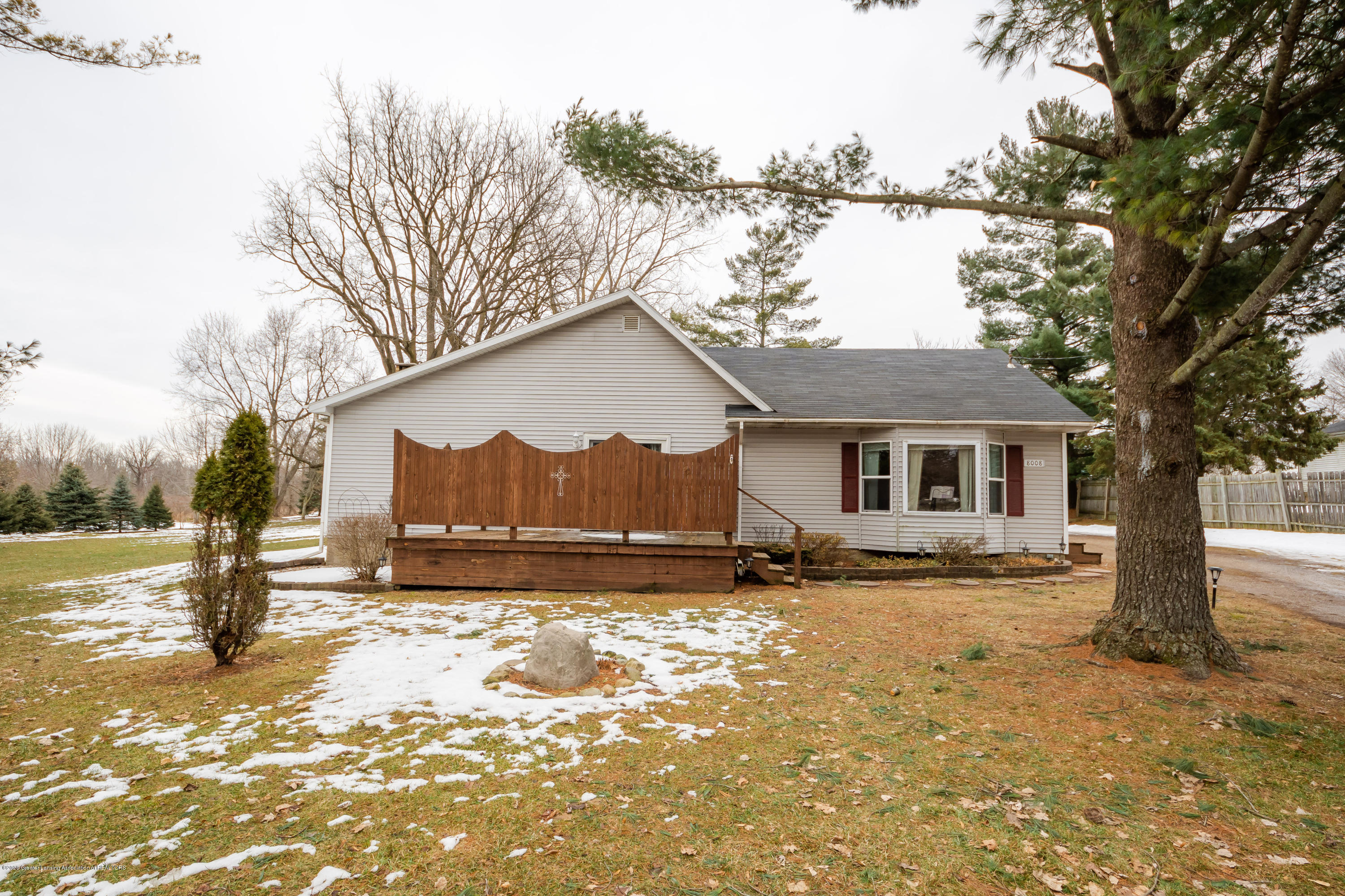 8008 N Welling Rd - Front - 35