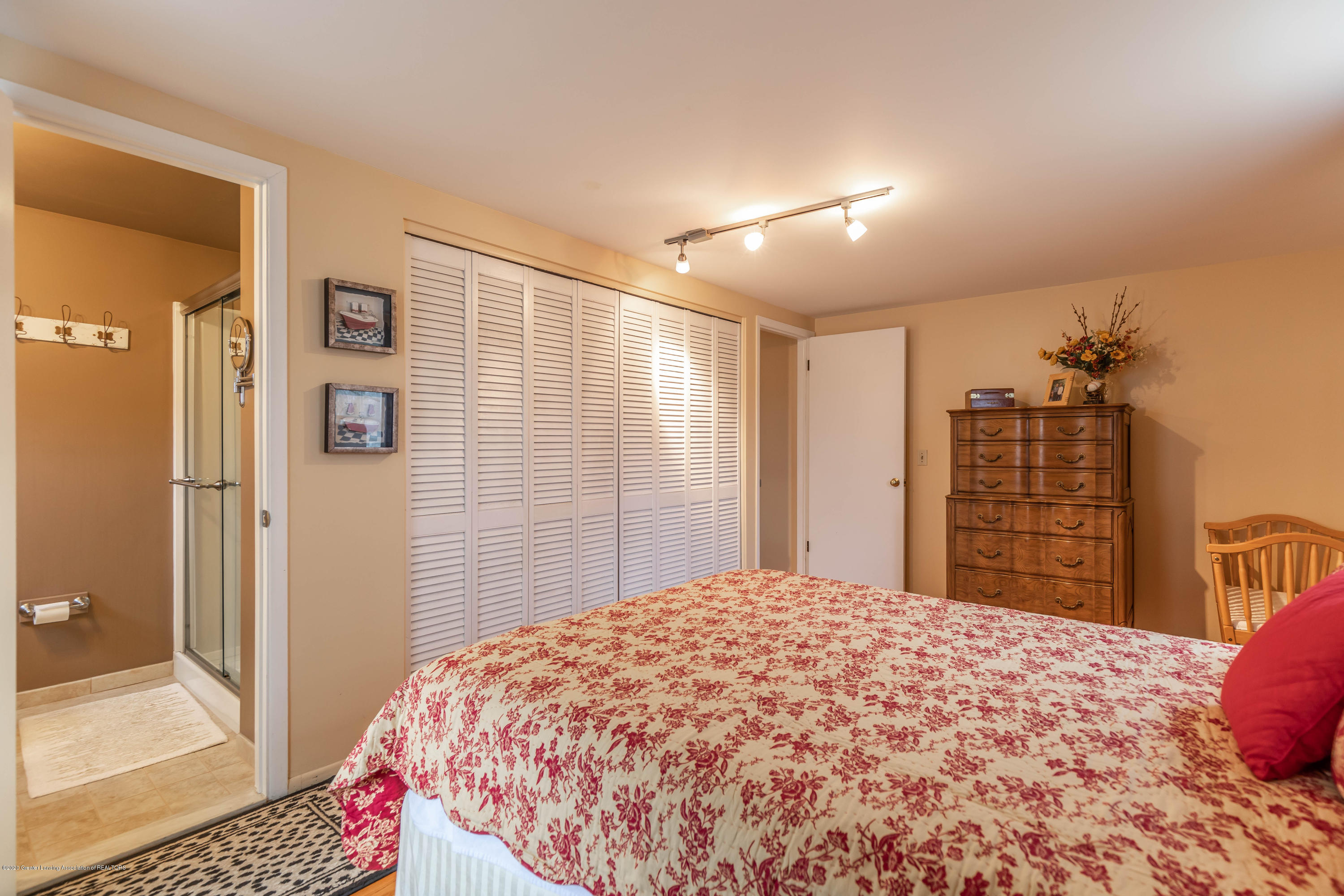 2101 Heights Ave - Master Bedroom - 16